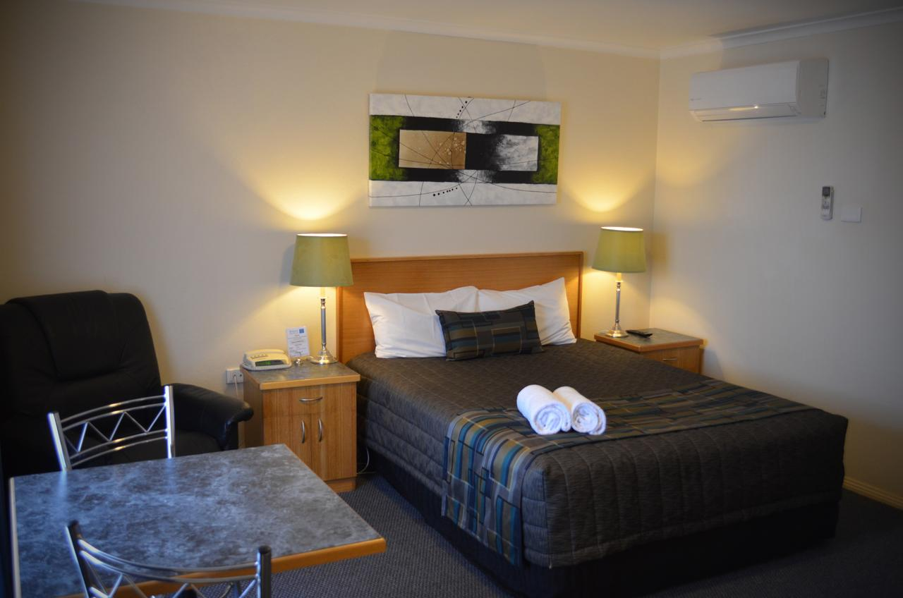 Arkana Motor Inn  Terrace Apartments - Wagga Wagga Accommodation