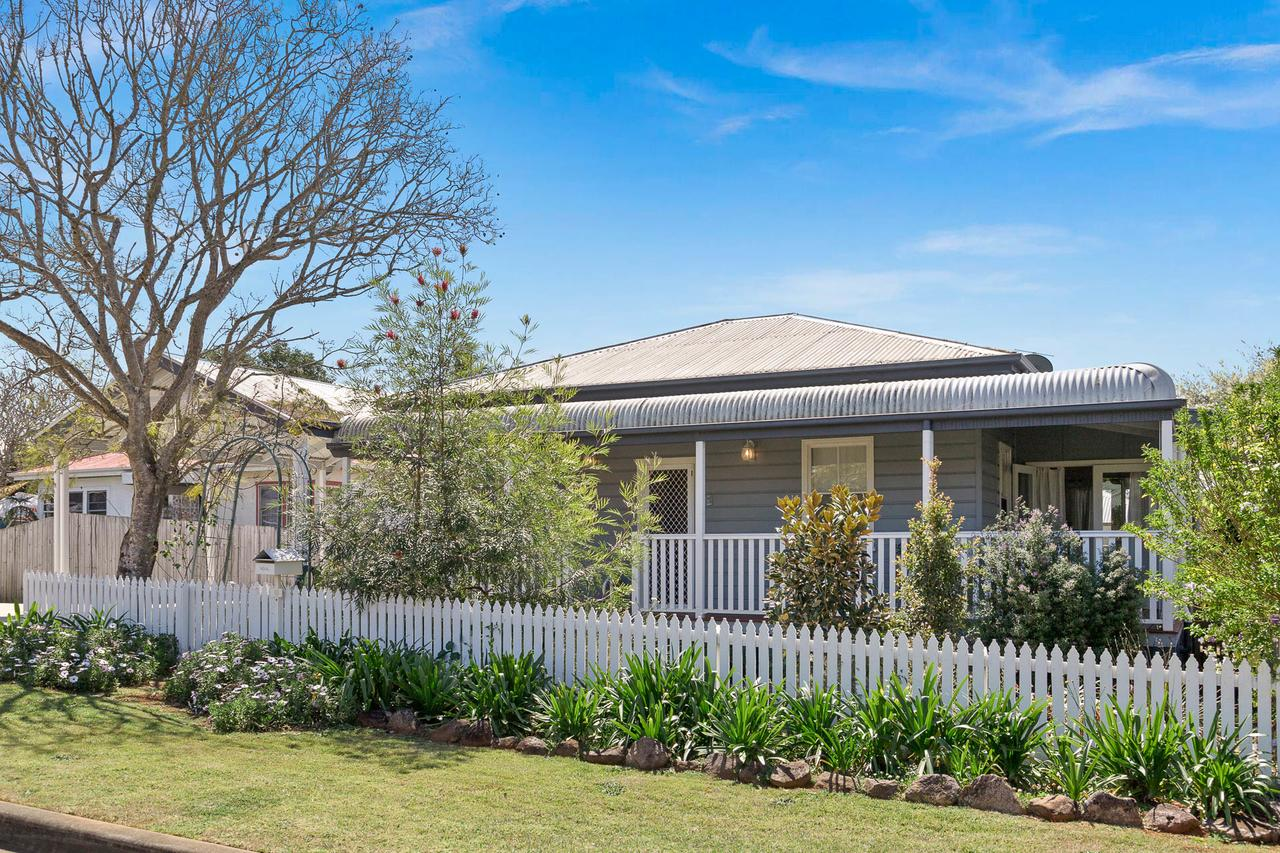 Lavender Cottage - Wagga Wagga Accommodation