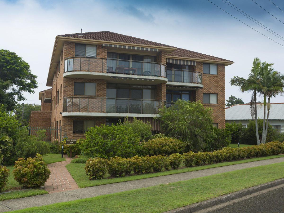 9 Braemar- skip hop and jump from everything - Wagga Wagga Accommodation