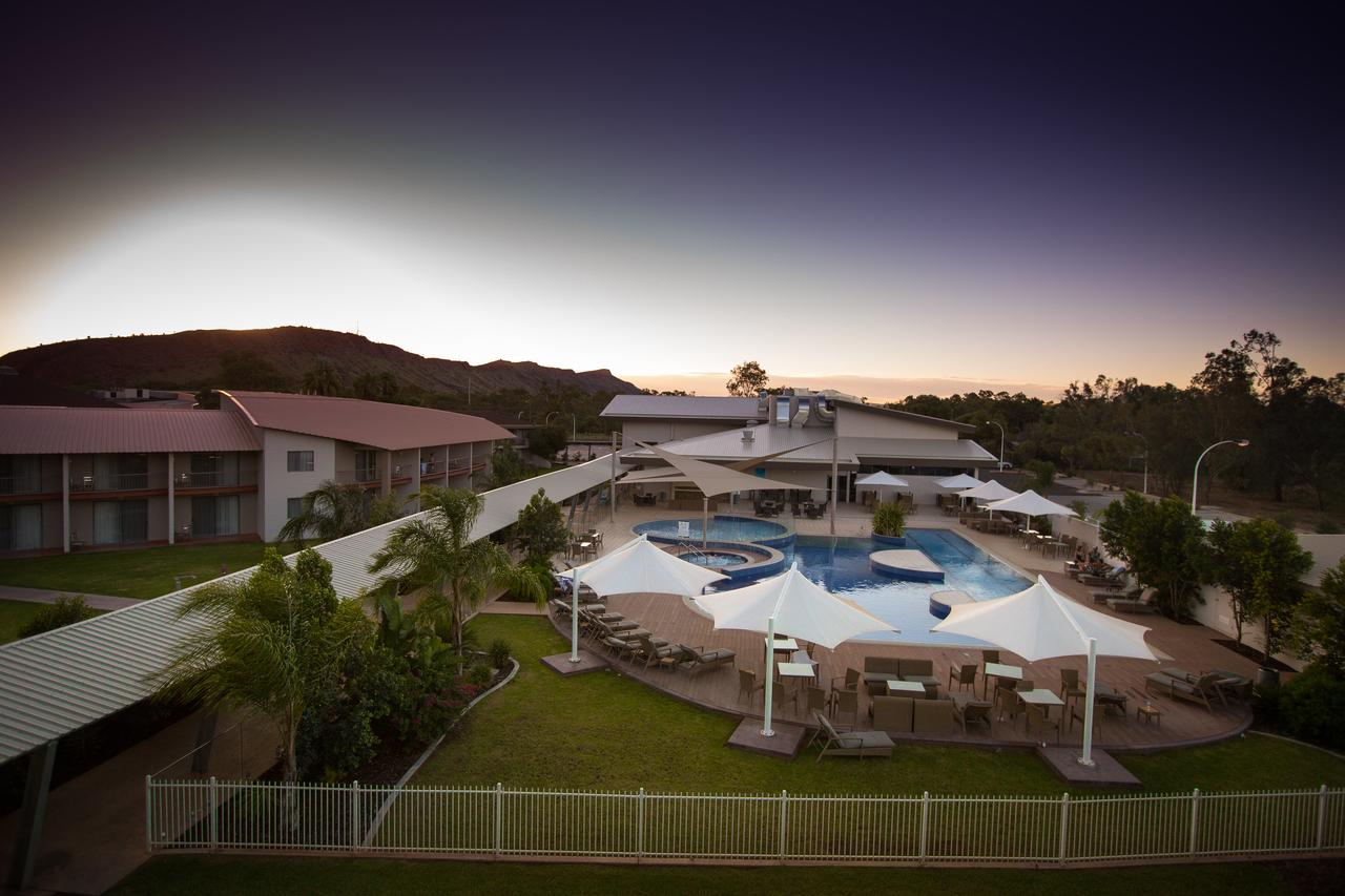 Crowne Plaza Alice Springs Lasseters - Wagga Wagga Accommodation