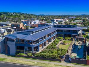 Lennox Holiday Apartments - Wagga Wagga Accommodation