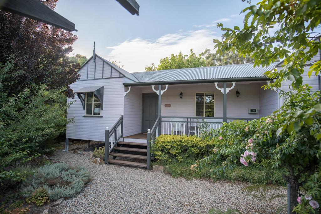 Briar Rose Cottages - Wagga Wagga Accommodation