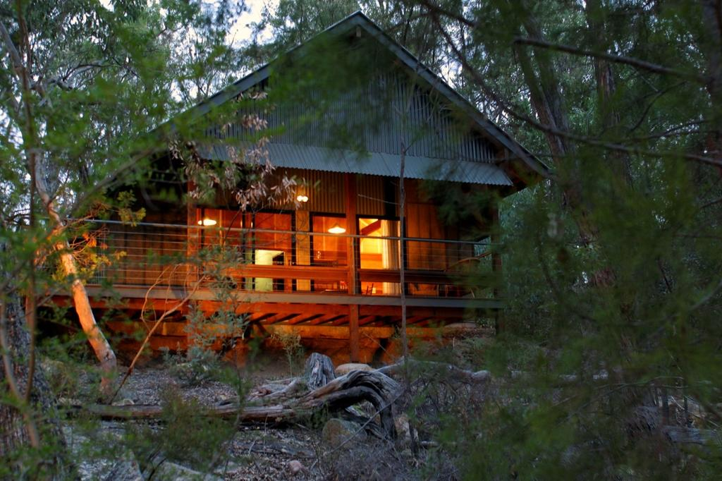 Girraween Environmental Lodge - Wagga Wagga Accommodation
