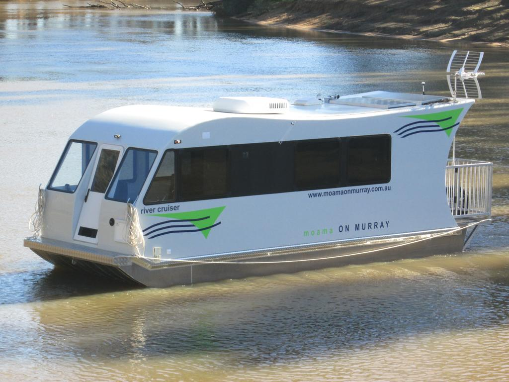 Moama on Murray Houseboats - Wagga Wagga Accommodation