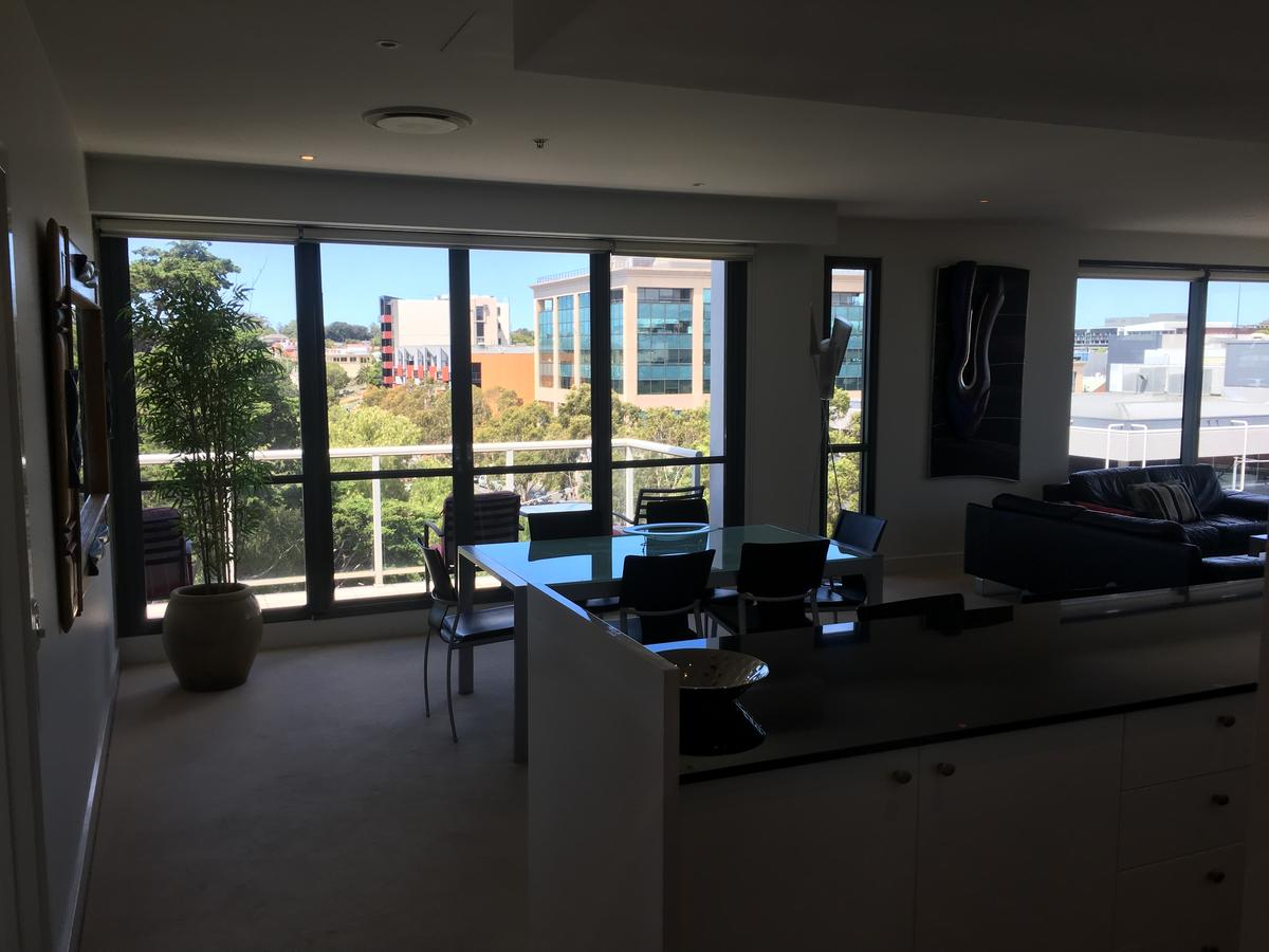 Geelong Waterfront Penthouse Apartment - Wagga Wagga Accommodation