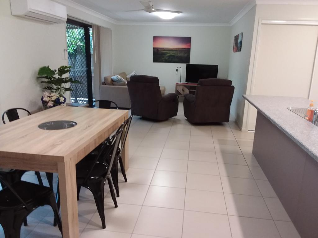 Waratah and Wattle Apartments - Wagga Wagga Accommodation