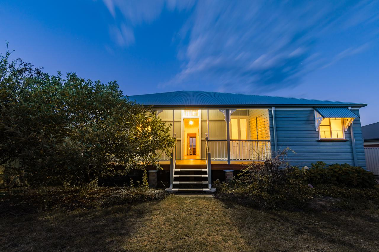 Apple Blossom Cottage - Wagga Wagga Accommodation