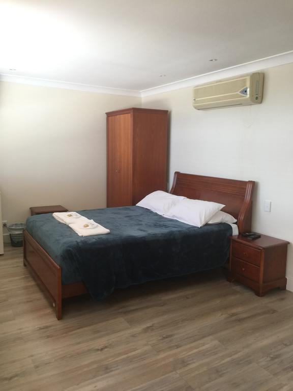 Aussie Hotel  Motel - Wagga Wagga Accommodation